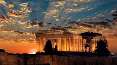 Η Ελλάδα που πηγαίνει μπροστά, και εκείνη που… μένει πίσω