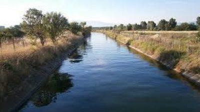 Δήμος Σερρών : ¨¨Βουτιά ¨¨  ΙΧ σε αρδευτικό κανάλι έξω από την Αναγέννηση
