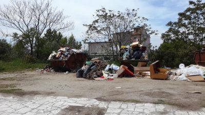 Δήμος Σιντικής : Σκουπιδότοπος η είσοδος του Σιδηροκάστρου ( φωτο )