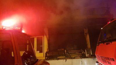 Δήμος Αμφίπολης : Στις φλόγες επιχείρηση ξυλείας στο Ροδολίβος