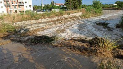 Σέρρες : Η λάσπη ¨¨έπνιξε ¨¨ την περιοχή της Αγίας Σοφίας ( ΦΩΤΟ )