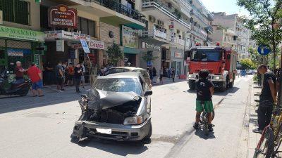 Σέρρες :Τροχαίο –  Σφοδρή σύγκρουση ΙΧ στην Μεγάλου Αλεξάνδρου ( φωτο )