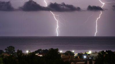 Ραγδαία επιδείνωση του καιρού  με ισχυρές καταιγίδες και χαλάζι