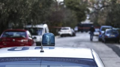 «Μπουμπούκια» στην ΕΛ.ΑΣ.: Αστυνομικοί σε… παράνομη υπηρεσία – «Xρυσές δουλειές» με διαβατήρια, τσιγάρα, ανασκαφές και… μέντιουμ
