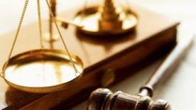Οι δικαστές ξεσηκώνονται κατά της προσπάθειας των πολιτικών να συγκαλύψουν τα δάνεια των κομμάτων!
