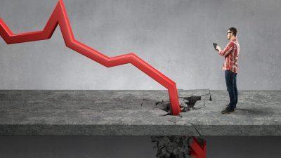 Εφιαλτικές προβλέψεις ΙΟΒΕ> Από 7,5% έως 10,5% η ύφεση το 2020