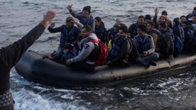 Καλώς τους…επενδυτές! – «Πρόσφυγες» φτάνουν στην Ευρώπη με σκύλο, smartphone και κοσμήματα .