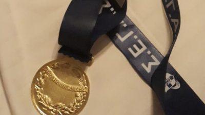 Χάλκινο μετάλλιο τα κορίτσια 4Χ400