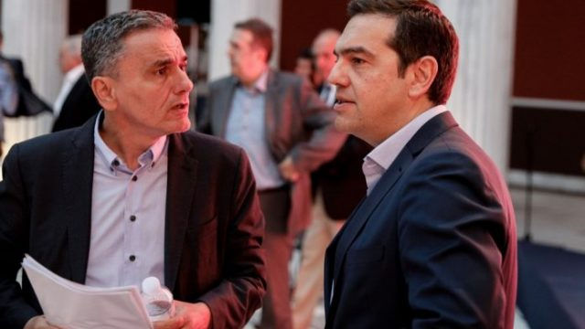 tsipras-tsakalotos250520-696x464-1.jpg