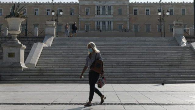 korwnoios-athina-syntagma-maskes-696x435-1.jpg
