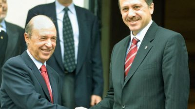 """Το (διαχρονικό) """"ευχαριστώ"""" του Ερντογάν στον Σημίτη για το…  γκριζάρισμα του Αιγαίου"""