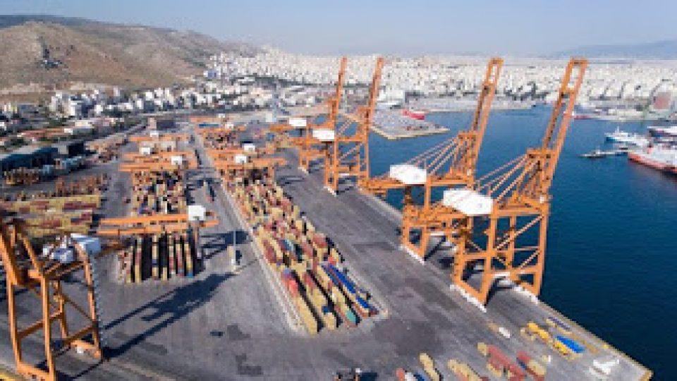 Piraeus_Port_COSCO_Containers-720x400-1.jpg