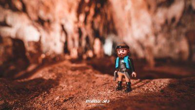 Ένα playmobil στο σπήλαιο Αλιστράτης Σερρών