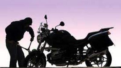 Σέρρες : ¨¨Μπούκαρε ¨¨ σε αυλη σπιτιου και έκλεψε μοτοσυκλέτα
