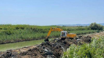 Π.Ε Σερρών : Εργασίες Καθαρισμού  της τάφρου της Μαυροθάλασσας